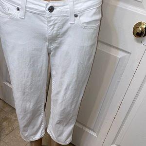 Signature Levi Strauss white jeans size 4